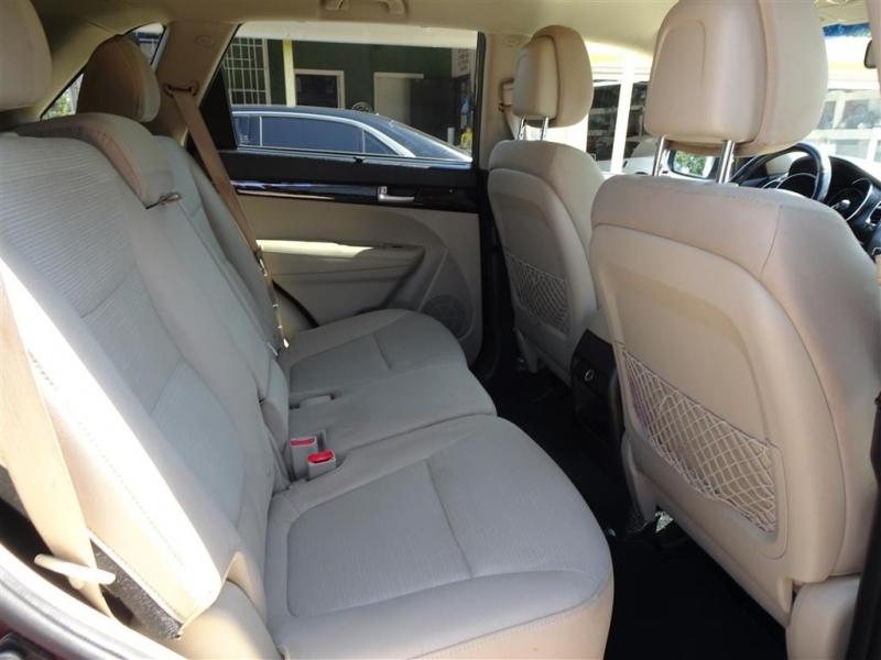 Kia Sorento 2014 price $10,995