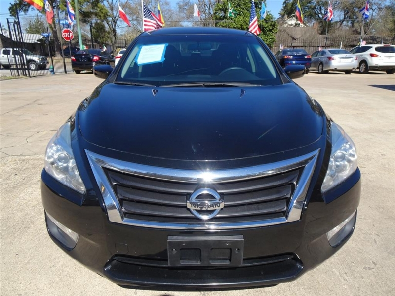 Nissan Altima 2015 price $10,995