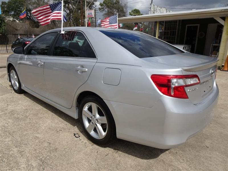 Toyota Camry 2014 price $13,495