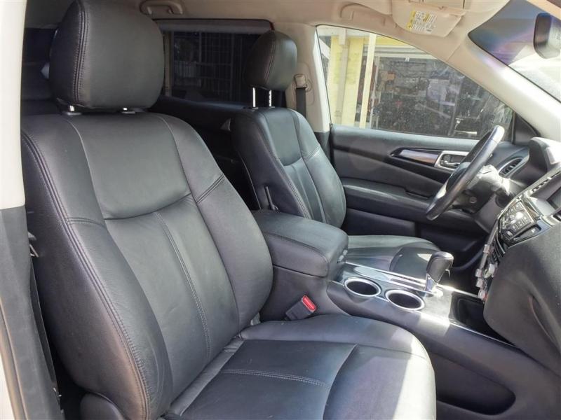 Nissan Pathfinder 2016 price $15,995