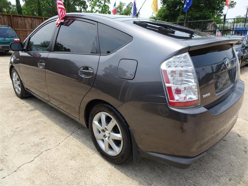 Toyota Prius 2009 price $6,995