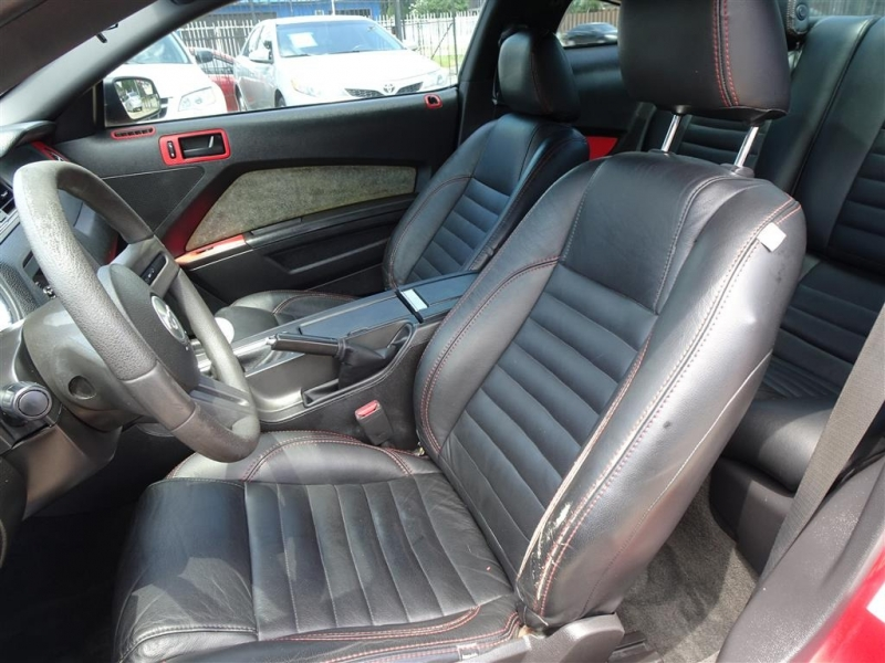 Ford Mustang 2011 price $12,995