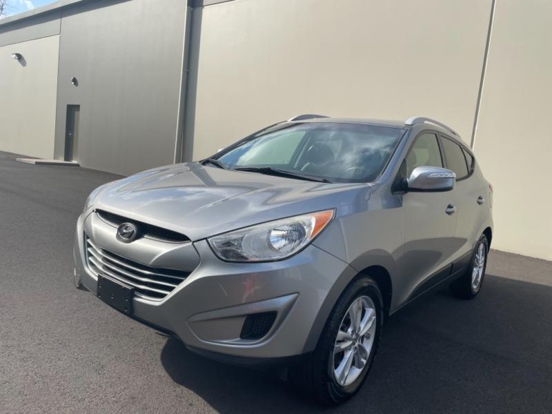 Hyundai Tucson 2012 price $8,995