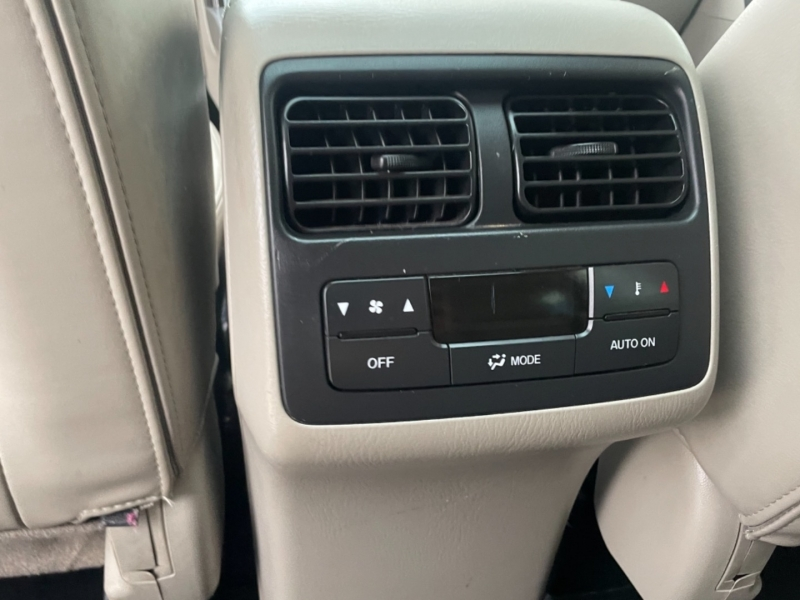 Mazda CX-9 2012 price $13,995