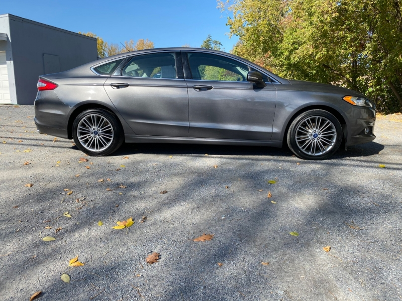Ford Fusion 2013 price $10,899
