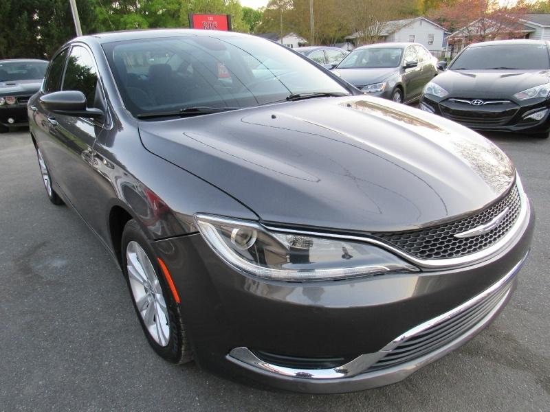 Chrysler 200 2016 price $6,995