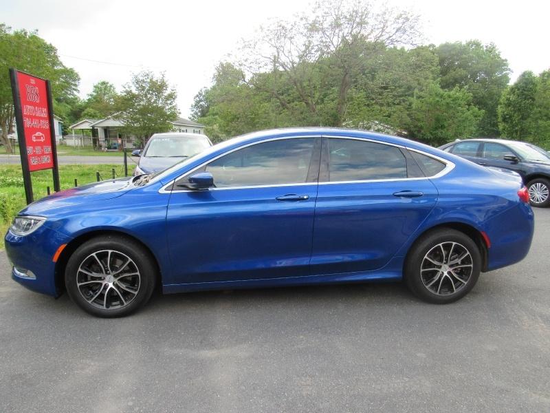 Chrysler 200 2016 price $8,495