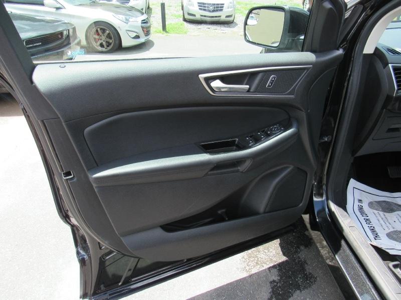 Ford Edge 2015 price $12,995
