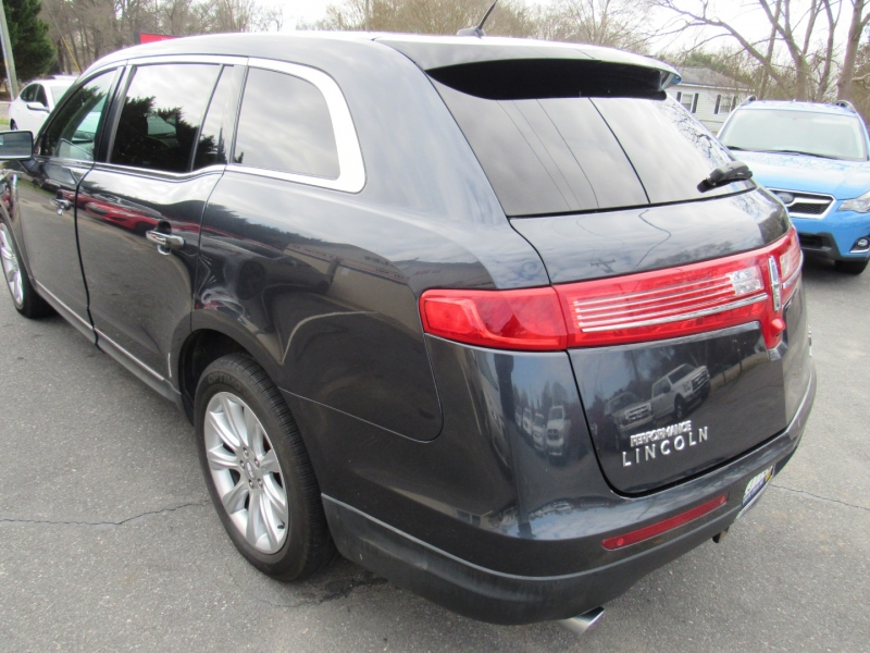 Lincoln MKT 2014 price $14,495