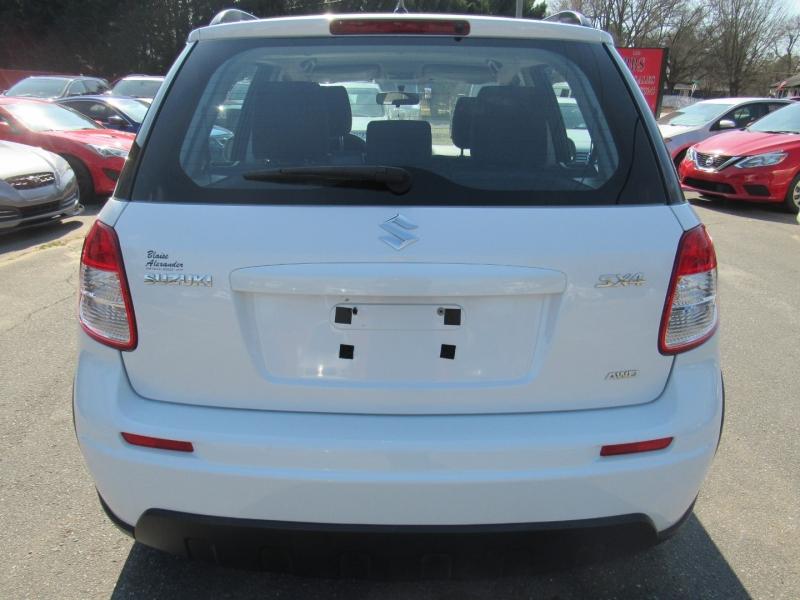 Suzuki SX4 2013 price $5,595