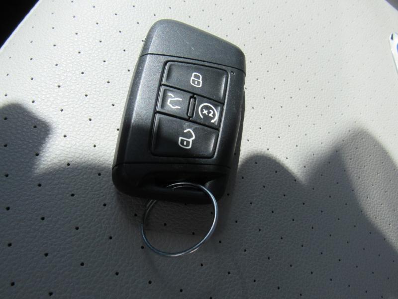 Volkswagen Tiguan 2020 price $25,500