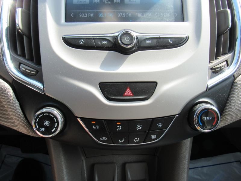Chevrolet Cruze 2018 price $9,995
