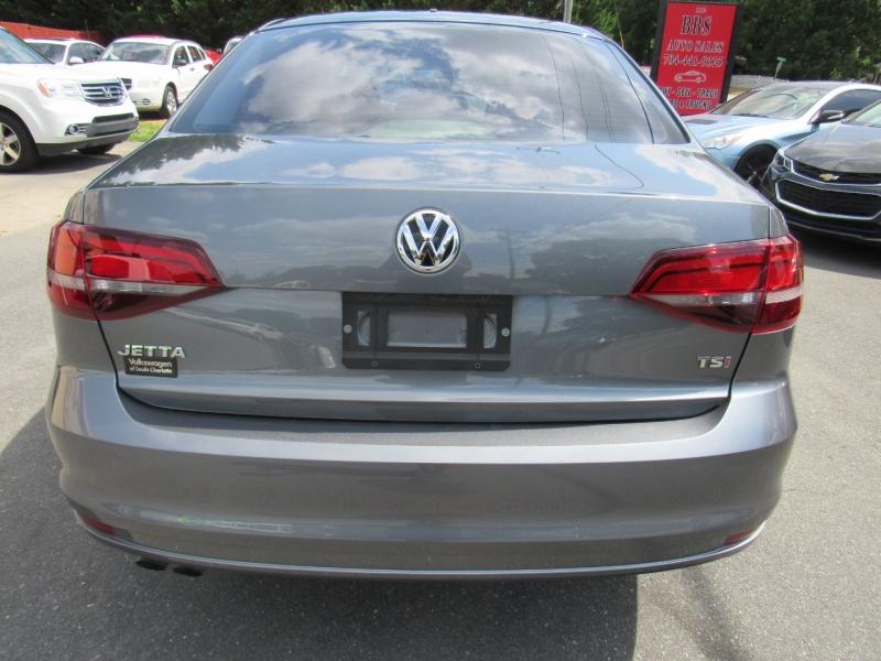 Volkswagen Jetta 2017 price $10,995