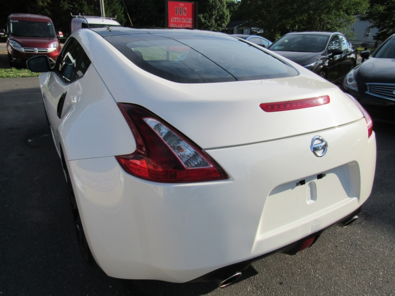 Nissan 370Z Coupe 2018 price $21,995