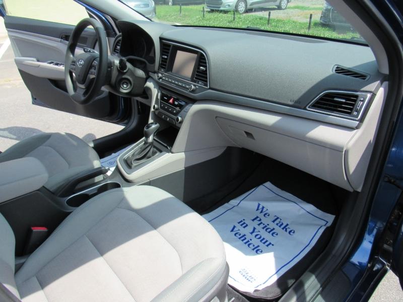 Hyundai Elantra 2017 price $10,595