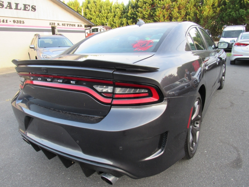 Dodge Charger 2019 price $27,595