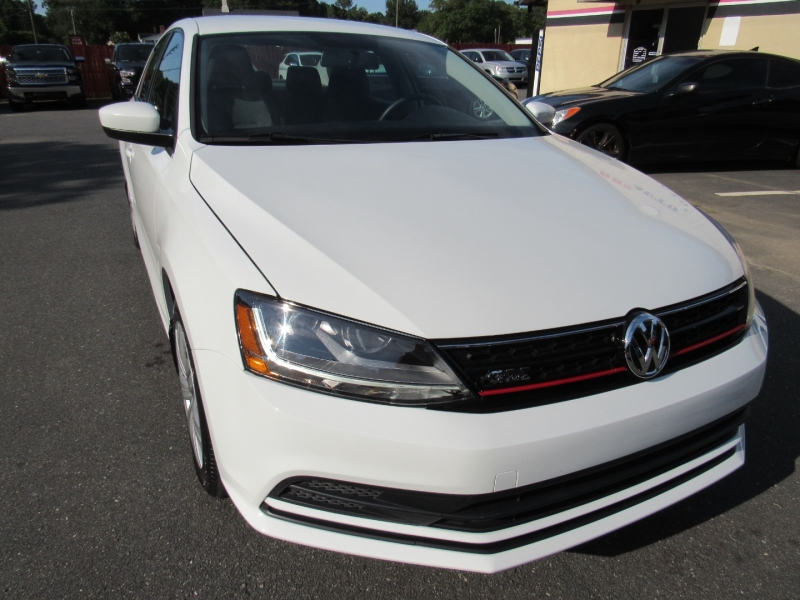 Volkswagen Jetta 2017 price $11,495