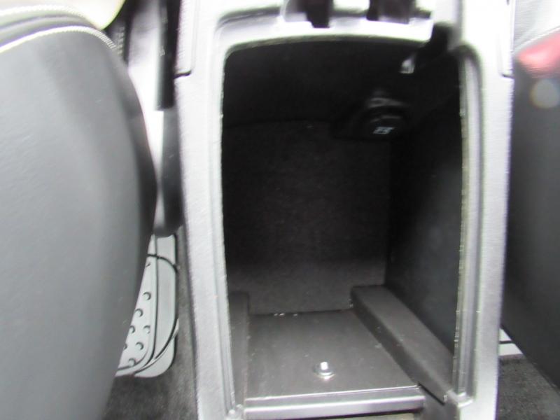 Chrysler 200 2011 price $7,995