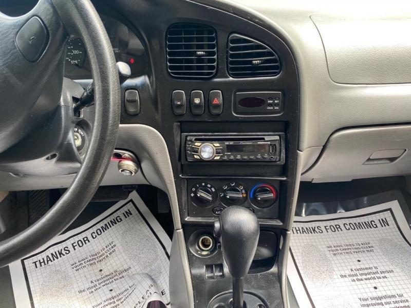 Kia Sephia 2001 price $795
