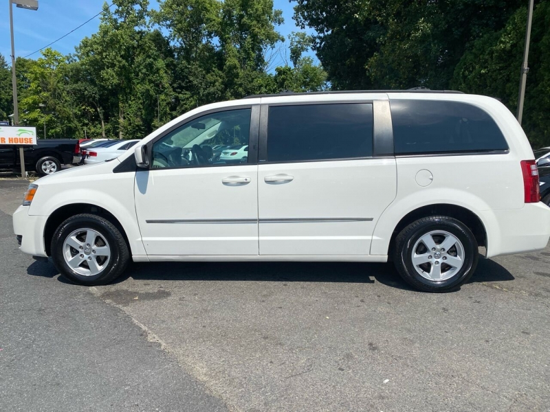 Dodge Grand Caravan 2010 price $4,995