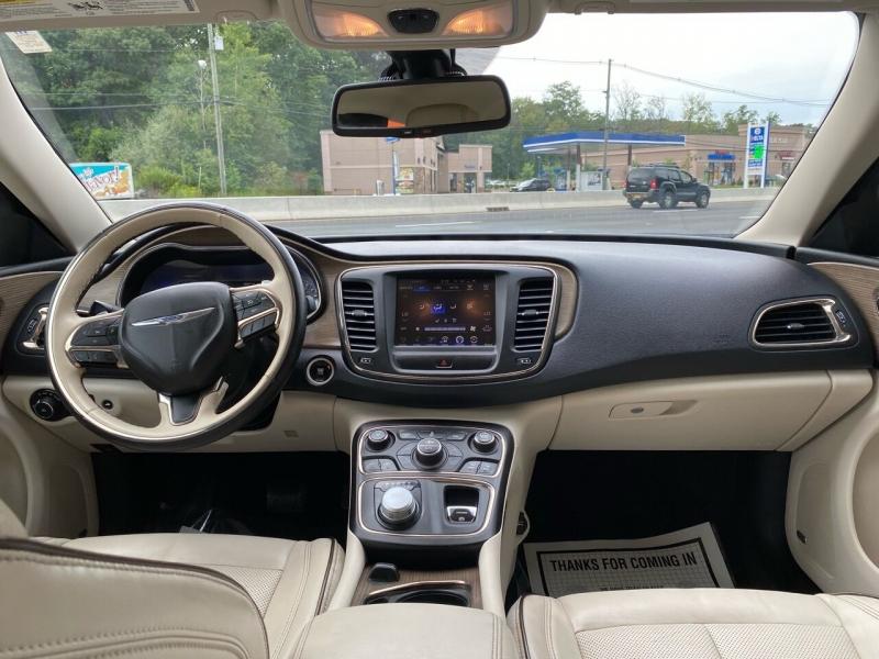 Chrysler 200 2015 price $8,995