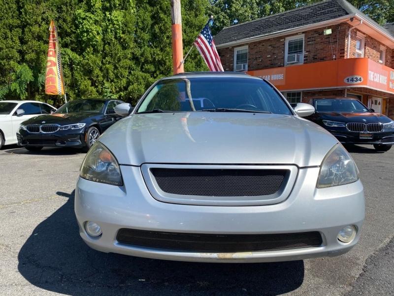 Nissan Altima 2002 price $1,995