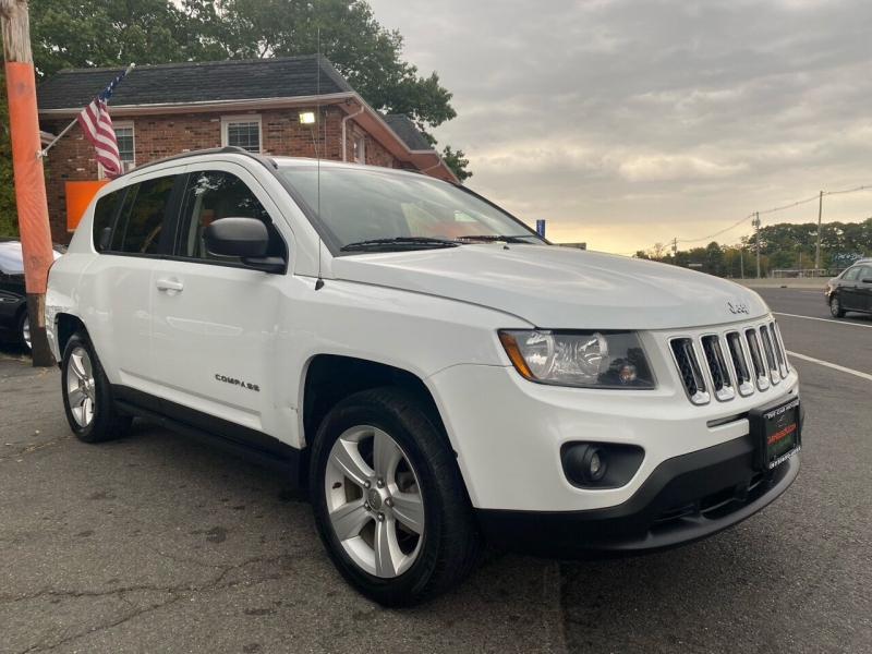 Jeep Compass 2017 price $8,995