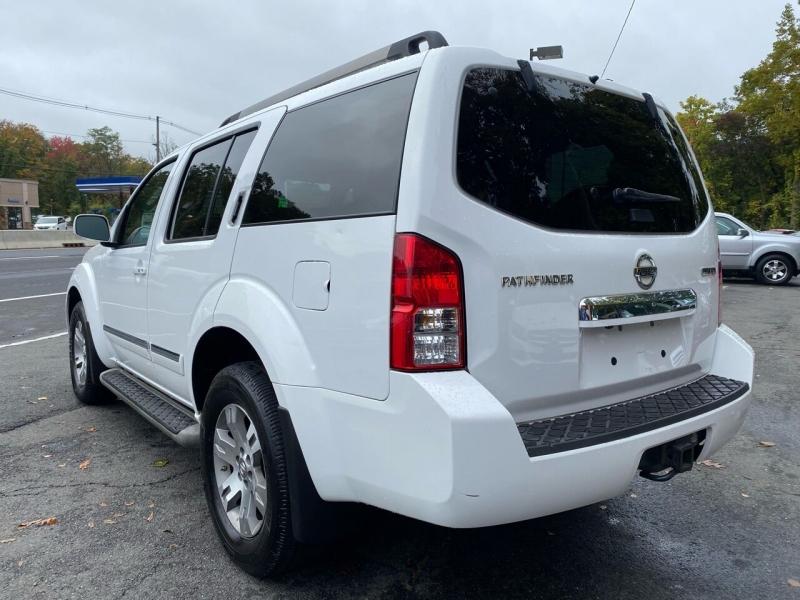 Nissan Pathfinder 2011 price $8,995