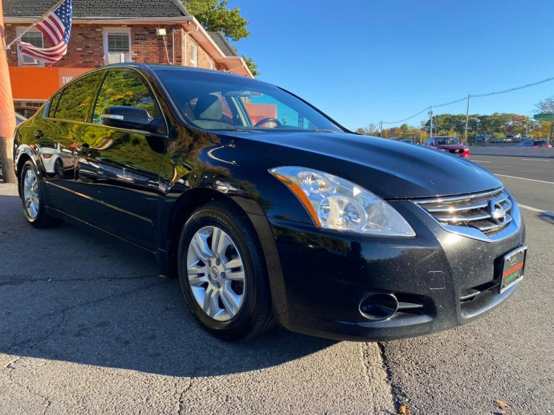 Nissan Altima 2010 price $3,995