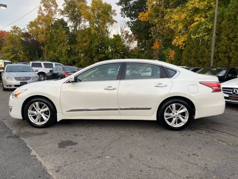 Nissan Altima 2015 price $9,995
