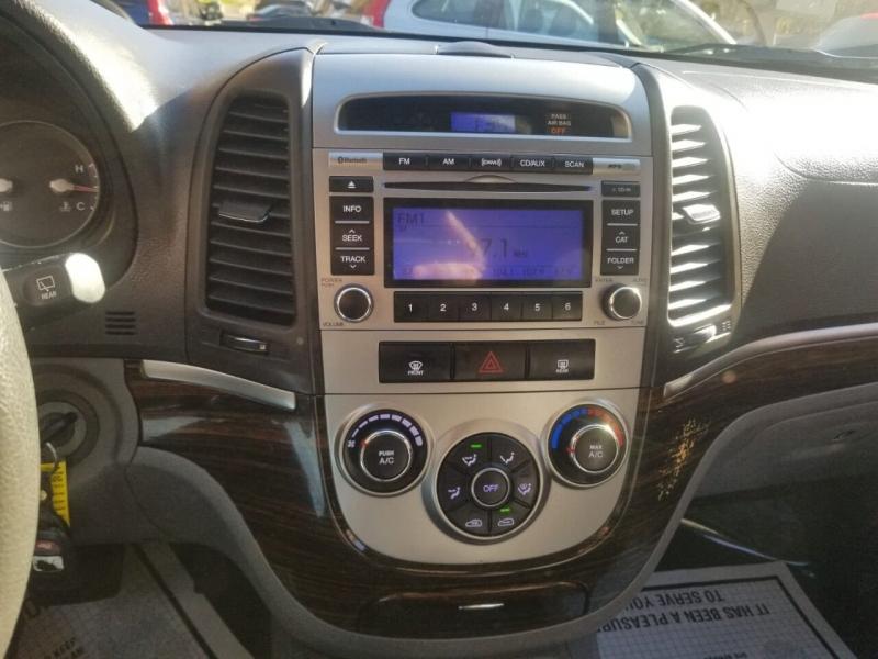 Hyundai Santa Fe 2010 price $4,995