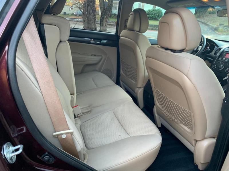 Kia Sorento 2011 price $4,995