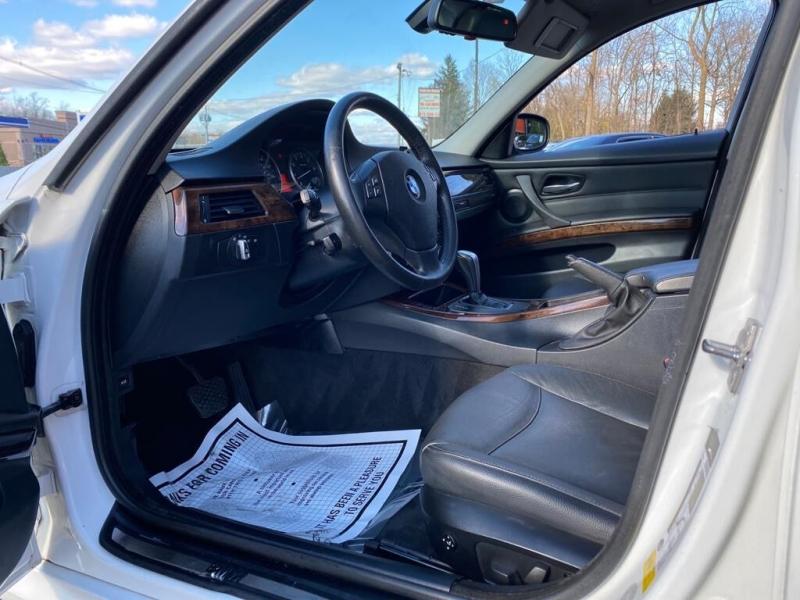 BMW 3 Series 2010 price $8,995