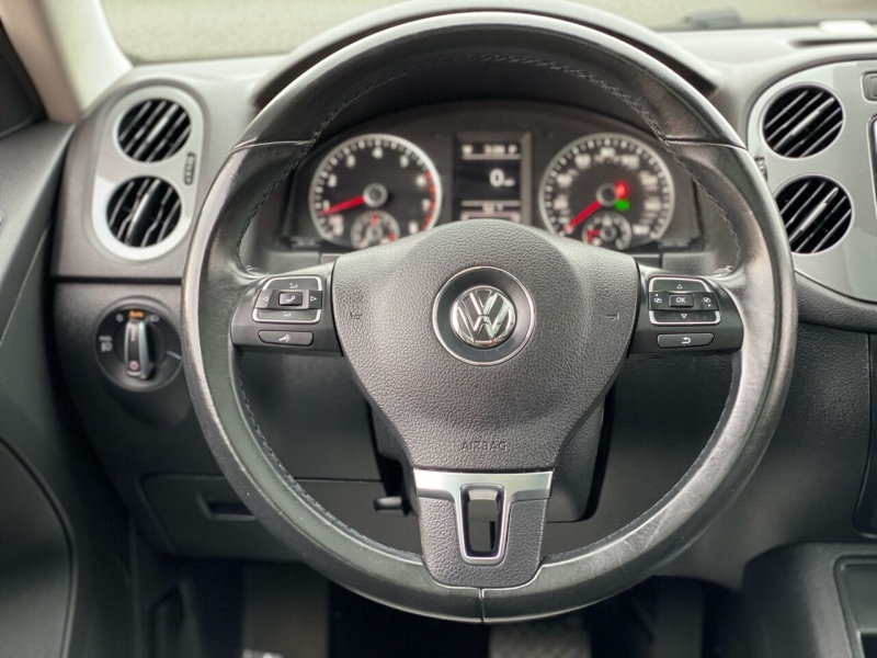 Volkswagen Tiguan 2016 price $11,995