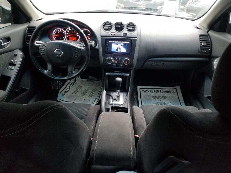 Nissan Altima 2010 price $3,995