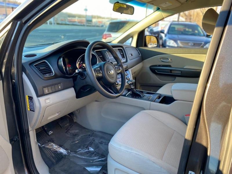 Kia Sedona 2018 price $17,995