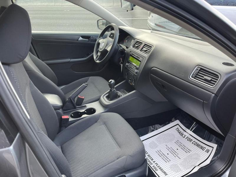 Volkswagen Jetta 2014 price $5,995