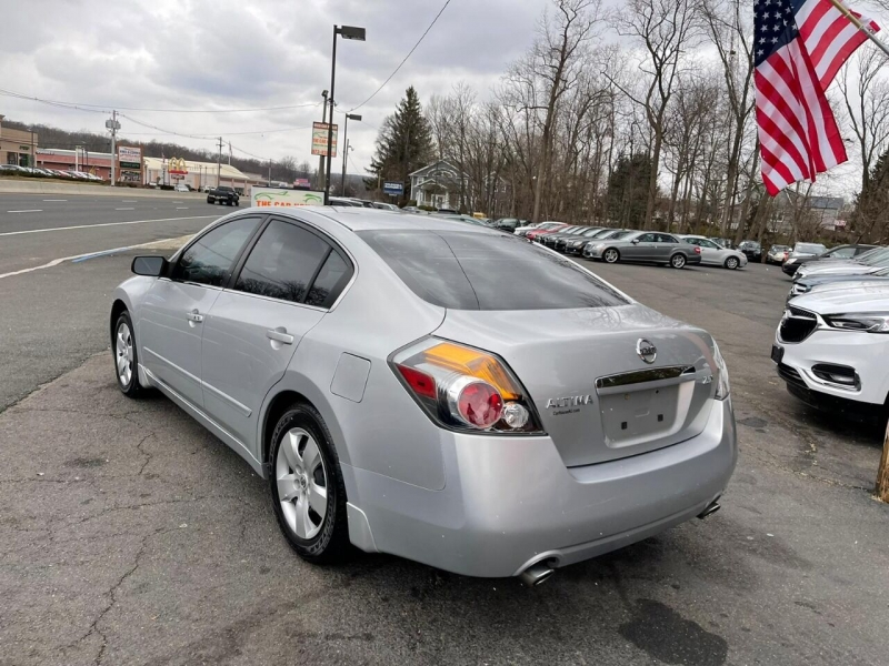 Nissan Altima 2007 price $2,495