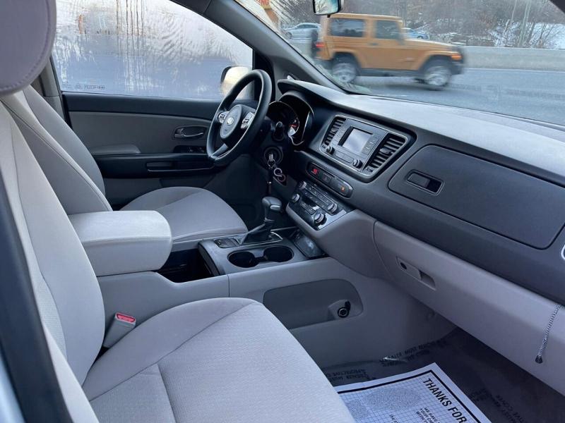 Kia Sedona 2017 price $16,995