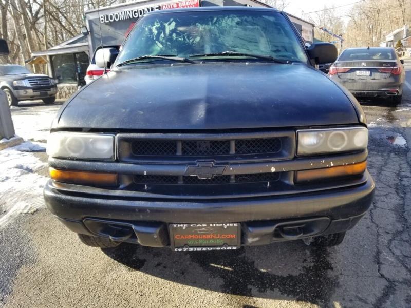 Chevrolet S-10 2002 price $2,495
