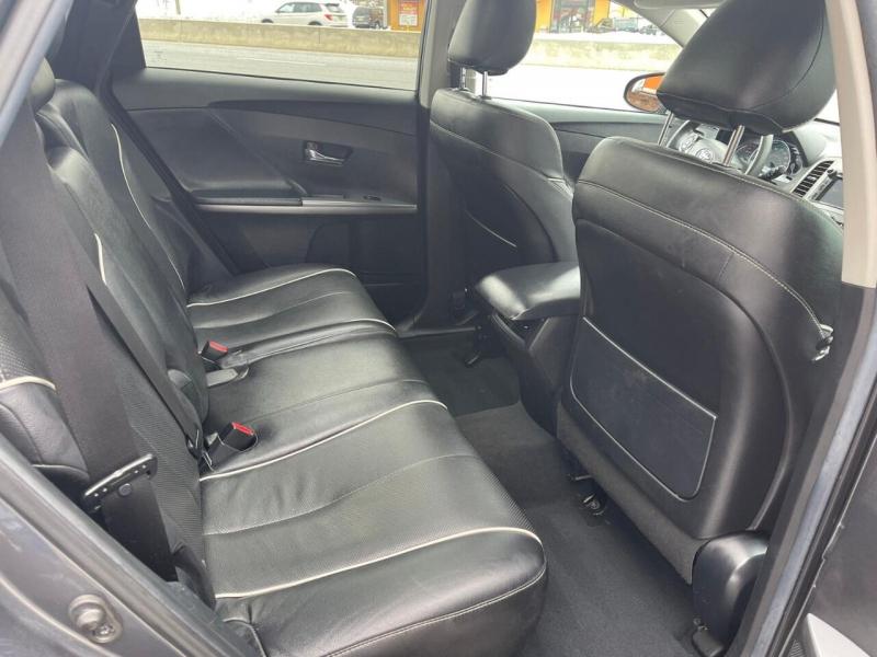 Toyota Venza 2013 price $12,995