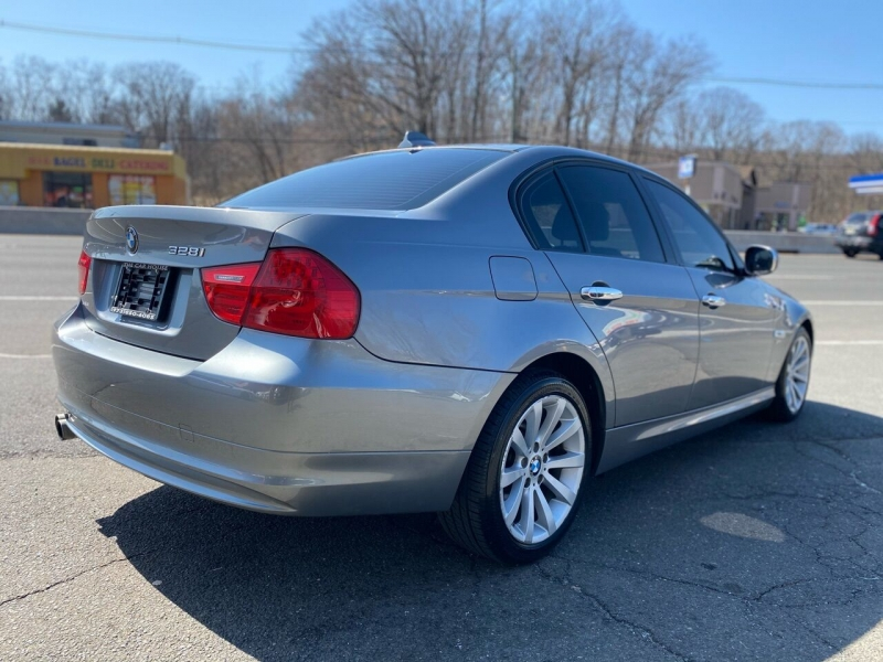 BMW 3 Series 2010 price $8,995
