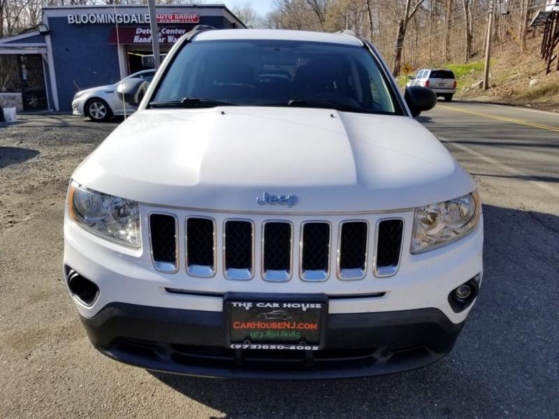 Jeep Compass 2011 price $4,995