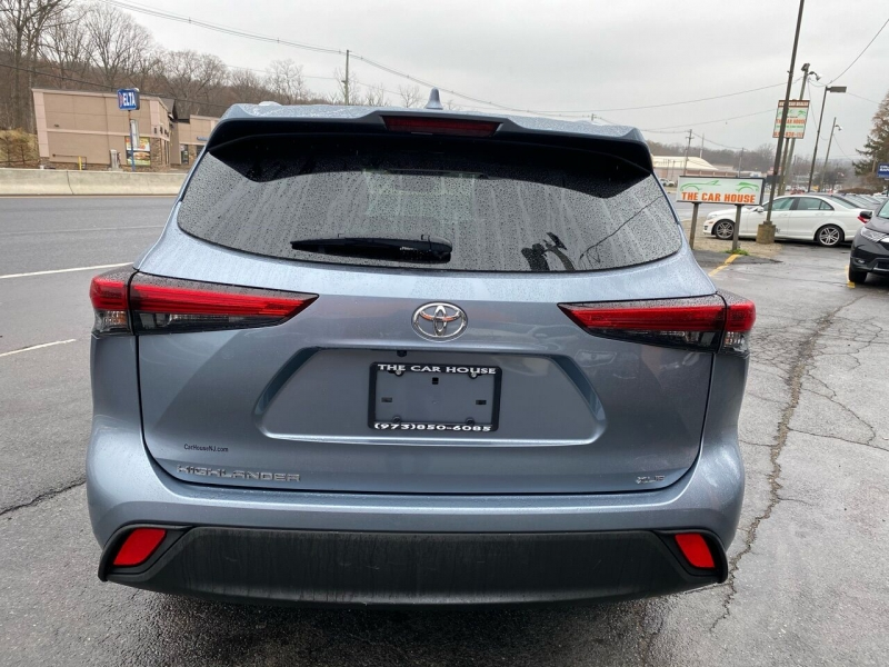 Toyota Highlander 2020 price Call for Pricing.