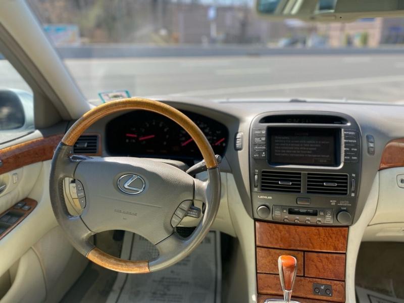 Lexus LS 430 2001 price $5,995
