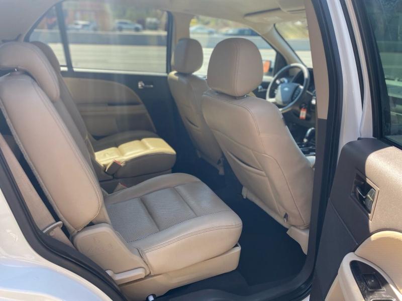 Ford Taurus X 2009 price $3,995