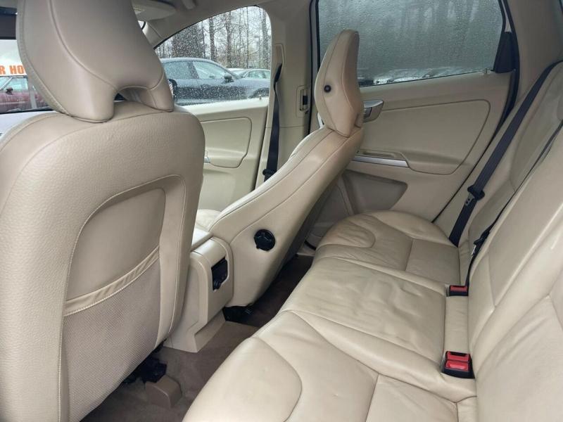 Volvo XC60 2010 price $7,995