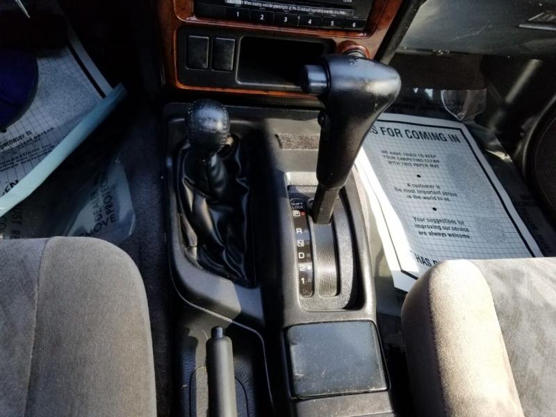 Nissan Pathfinder 2001 price $2,495