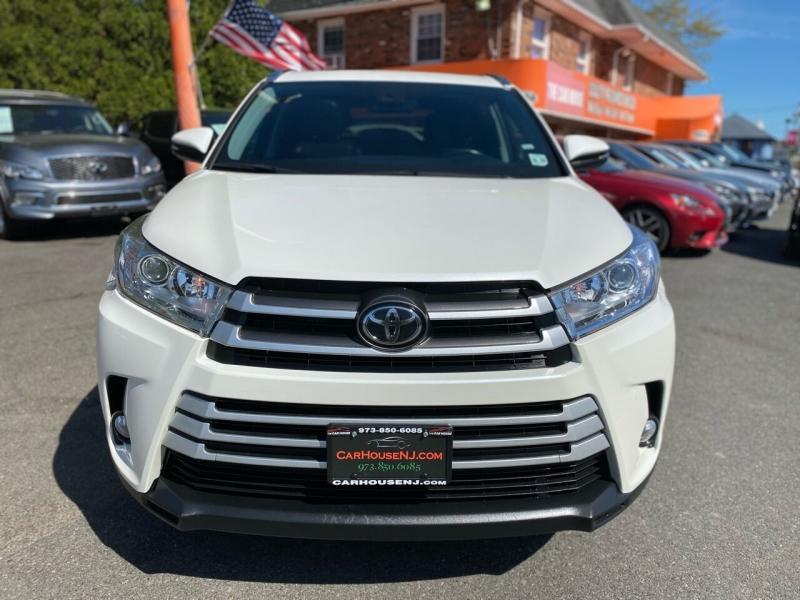 Toyota Highlander 2019 price $34,995