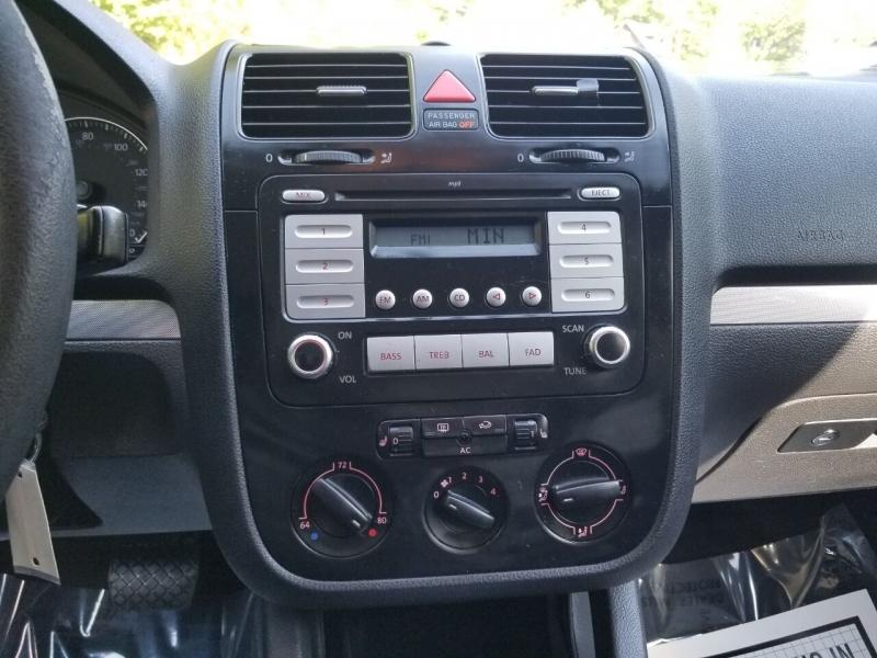 Volkswagen Jetta 2009 price $2,995